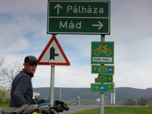 Ungarn - nach der Grenze